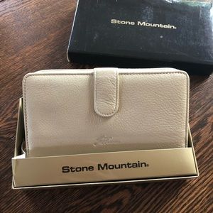 Stone Mountain Accessories